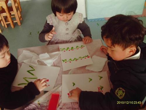 幼儿手指点画关于春天作品图片